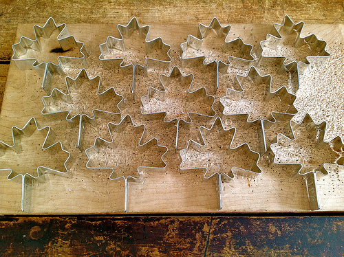 A cookie cutter message will never cut through the clutter like a personalized message. Flickr: antefixus21